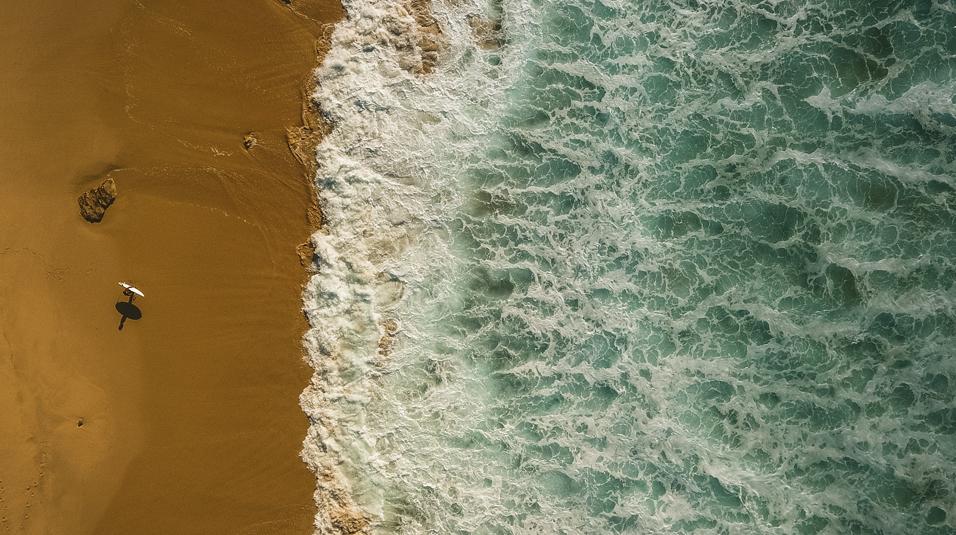 drone raz surfcamp surfing praia de razo